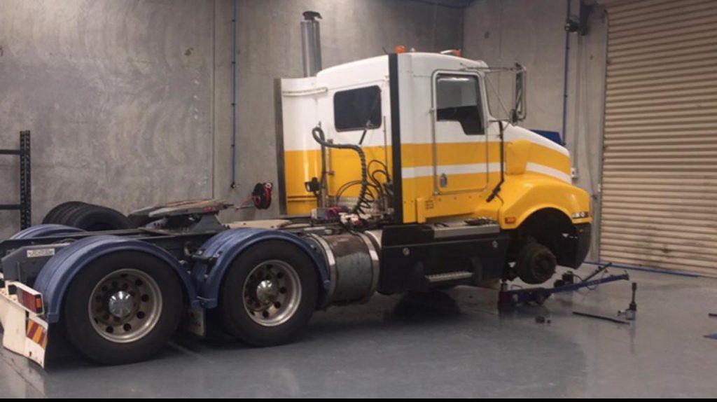 Wallan-Tyre-Centre_truck
